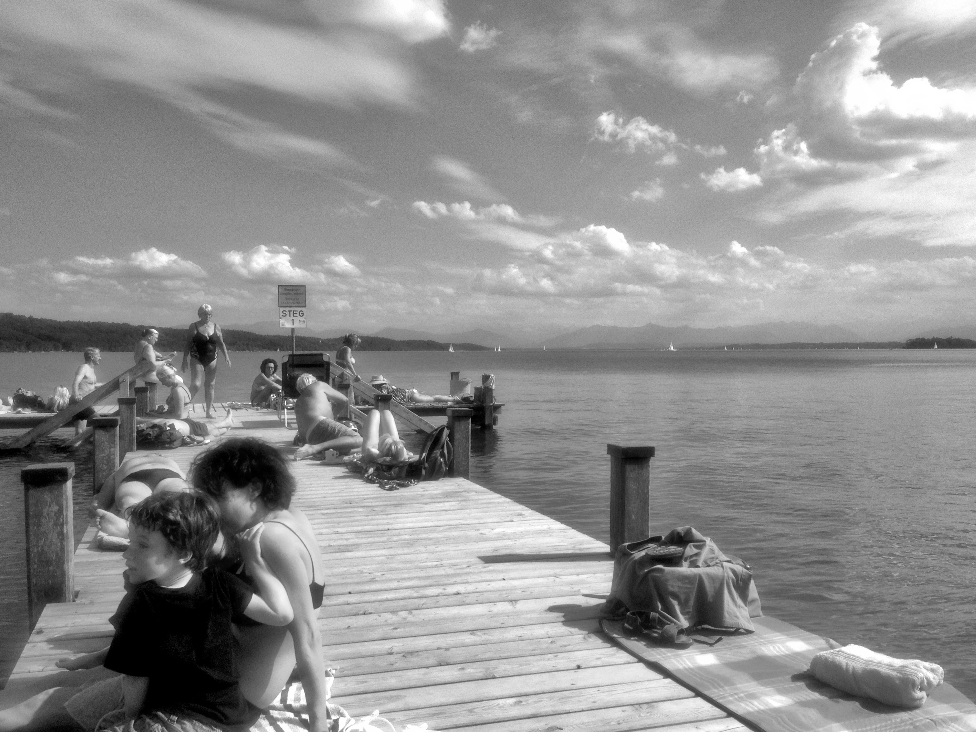 Wenn Maße in Klasse umschlägt: Bettina Dunker zum Bilder-Plural in der zeitgenössischen Fotografie